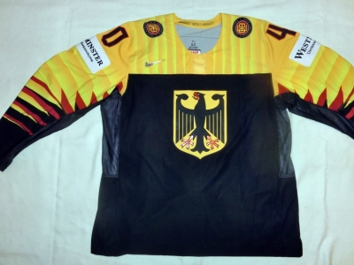 Gameworn WM Eishockey Trikot 2018 #61 Mirko Höfflin