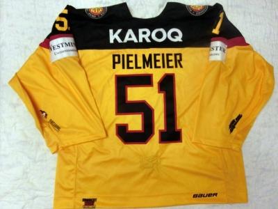 DCup2017 Gameworn Eishockey Trikot #51 Timo Pielmeier